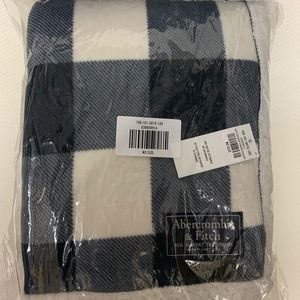 New Abercrombie & Fitch blanket gift exclusive